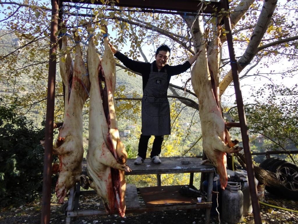 12月、サルデーニャにて。豚や羊から一年分のサラメやプロシュートを仕込むぞ!